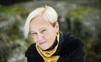 Helena Sinervo on Kajaanin Runoviikon Suven runoilija. Kuva: Veikko Somerpuro
